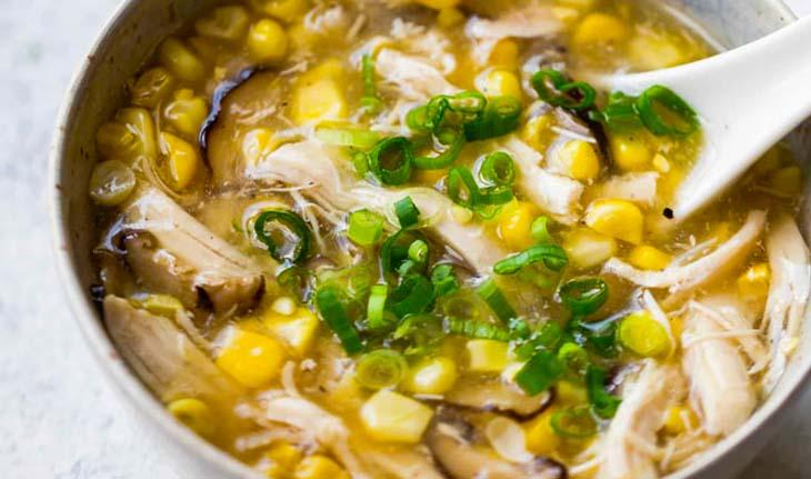 các món mặn cho bé ăn cơm: súp gà