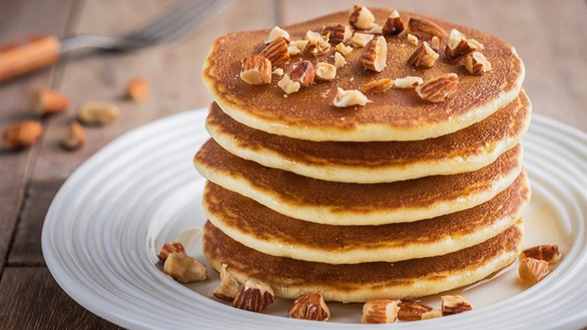 Bánh pancake bột hạnh nhân